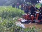 proses-evakuasi-jenazah-welly-korban-tenggelam-di-sungai-kumpeh-desa-pemunduran.jpg