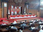 rapat-paripurna-dprd-provinsi-jambi-17-anggota-dewan-tidak-hadir.jpg
