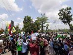 ratusan-mahasiswa-di-bungo-kembali-melakukan-unjuk-rasa-di-dprd-bungo-kamis-2692019.jpg