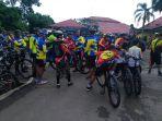 ratusan-orang-pecinta-olahraga-sepeda-dari-berbagai-komunitas-berk_20180408_085002.jpg