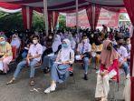 ratusan-pelajar-di-kota-jambi-mengikuti-vaksinasi-massal-yang-digelar-polda-jambi.jpg