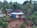 rumah-ibadah-tebo-nyaris-ambruk-akibat-tanah-longsor.jpg