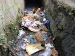 sejumlah-drainase-di-kota-jambi-dipenuhi-sampah.jpg