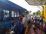 sekda-provinsi-jambi-resmikan-halte-bus-trans-siginjai-di-bandara-sultan-thaha-jambi.jpg