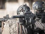 senapan-mesin-uzi_20181002_145943.jpg
