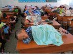 siswa-tidur-di-kelas_20171128_095034.jpg