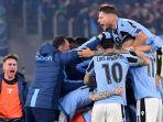 skuad-lazio-kala-merayakan-kemenangan-mereka-dalam-laga-di-liga-italia.jpg