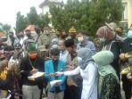 suasana-demonstrasi-yang-digelar-himpunan-mahasiswa-kabupaten-batanghari-di-kantor-dprd.jpg