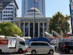 suasana-di-sekitar-gedung-mahkamah-konstitusi-mk-di-jalan-medan-merdeka-barat-jumat-2452019.jpg