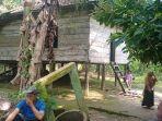 suasana-dikediaman-korban-desa-pulau-raman-rt-03-kecamatan-pemayung.jpg