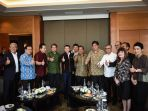 suasana-pertemuan-antara-pendiri-alibaba-group-jack-ma_20180903_103537.jpg