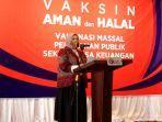 suti-masniari-nasution-kepala-kpw-bank-indonesia-provinsi-jambi-vaksinasi.jpg