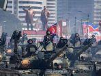 tank-tentara-rakyat-korea-kpa-berbaris-dalam-parade-militer.jpg
