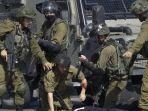 tentara-israel-ditikam.jpg