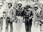 the-blue-jeans-soldiers-di-timor-timur-istimewa_20180925_092655.jpg
