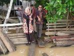 tiga-rt-di-desa-pulau-kayu-aro-sudah-digenangi-banjir-sungai-batanghari-01042021.jpg