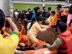 tim-gabungan-evakuasi-warga-jelutung-yang-terdampak-banjir.jpg