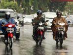 tips-berkendara-saat-musim-hujan.jpg