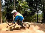 track-sepeda-mtb-di-hutan-kota-m-sakbi.jpg