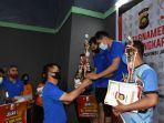 turnamen-badminton-hut-bhayangkara-ke-74-polda-jambi-keluar-sebagai-pemenang-pertama.jpg