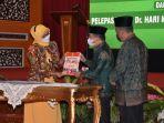 usai-dilantik-oleh-presiden-republik-indonesia-ir-joko-widodo-di-istana.jpg