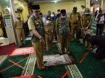 walikota-jambi-sy-fasha-saat-mengecek-salah-satu-masjid-di-kota-jambi.jpg
