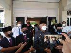 walikota-jambi-syarif-fasha-saat-wawancara-dengan-wartawan.jpg