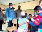 warga-di-batanghari-suntik-vaksin.jpg