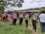 warga-kampung-lubuk-kelurahan-manggis-kecamatan-bathi.jpg
