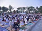 warga-kota-jambi-melaksanakan-salat-idul-adha-1441-h.jpg