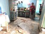 warga-palmerah-kota-jambi-yang-kebanjiran-menjemur-semua_20180528_160041.jpg
