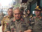 yan-ismar-kepala-satpol-pp-kota-jambi_20180503_185517.jpg