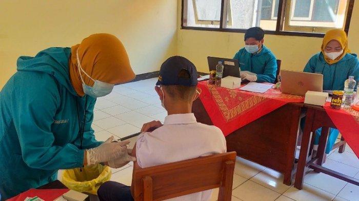 Vaksinasi di Kendal Sasar Pelajar, 700 Siswa SMPN 2 Boja Ikut Disuntik