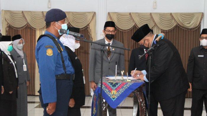 Wali Kota Tegal Lantik 14 Pejabat Fungsional Tertentu dan Kepala Sekolah