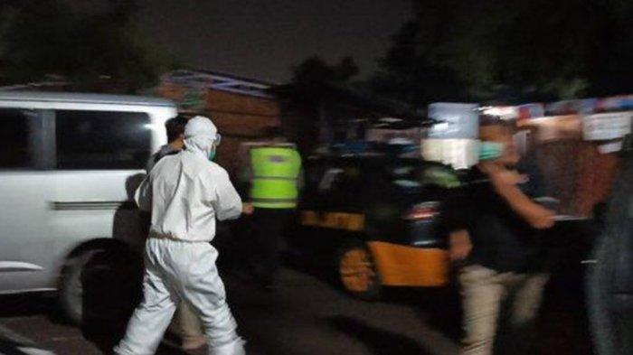 Pengunjung Warkop Berlarian Setelah Polisi Umumkan Hasil Rapid Test 2 Orang Positif Corona