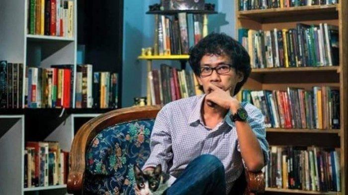 Puisi Sajak buat Seseorang yang tak Punya Waktu Membaca Sajak M Aan Mansyur