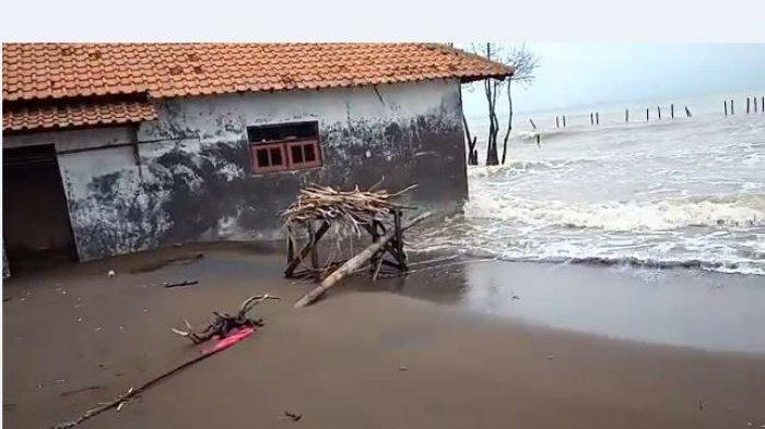 Abrasi di Simonet Pekalongan, Ketua RT: Bibir Laut Sudah Sampai di Depan Rumah