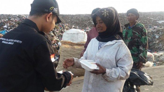 Dermawan Effect, ACT dan Abu Nawas Bagikan Ribuan Paket Nasi Gratis