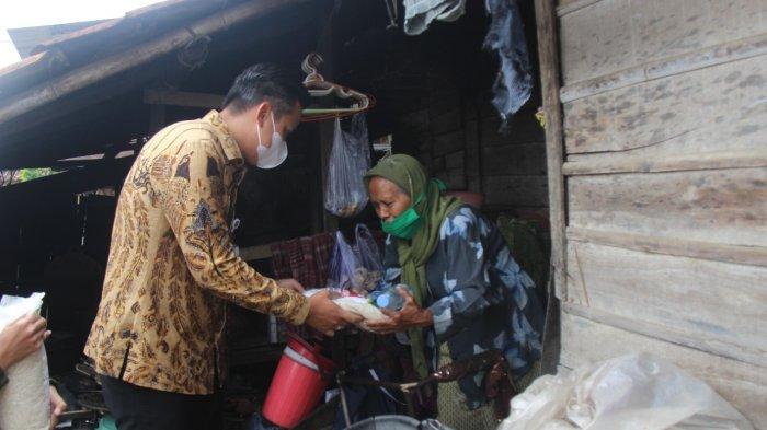 ACT Jateng Salurkan Bantuan 930 Kg Beras untuk Nelayan Kendal