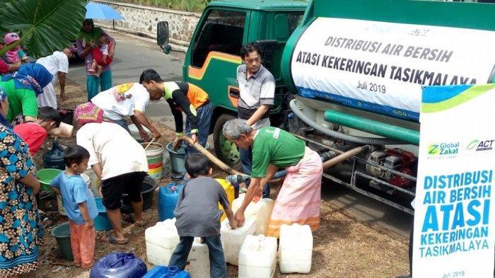 ACT Distribusikan Puluhan Ribu Liter Air di Wilayah Kekeringan Tasikmalaya