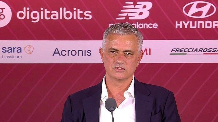 Jose Mourinho Pantau Perkembangan Pemain AS Roma Pakai Drone