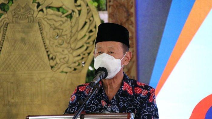 Ketua MUI Jateng Menangis Lihat Bupati Blora Beri Tumpeng ke Penggantinya: Ini Harus Diviralkan