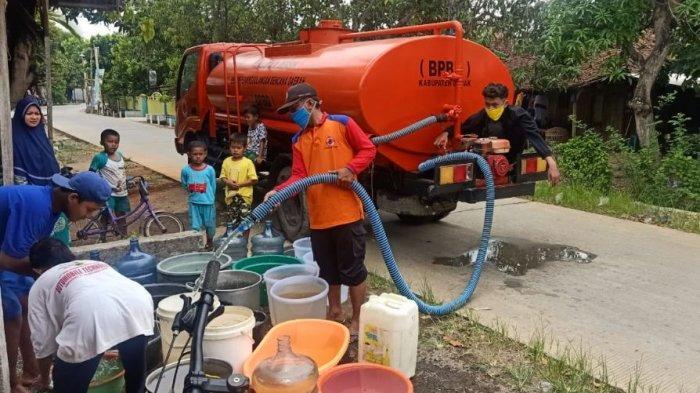 BPBD Demak Kerahkan 54 Tangki Air, Bantu Warga Kesulitan Air Bersih