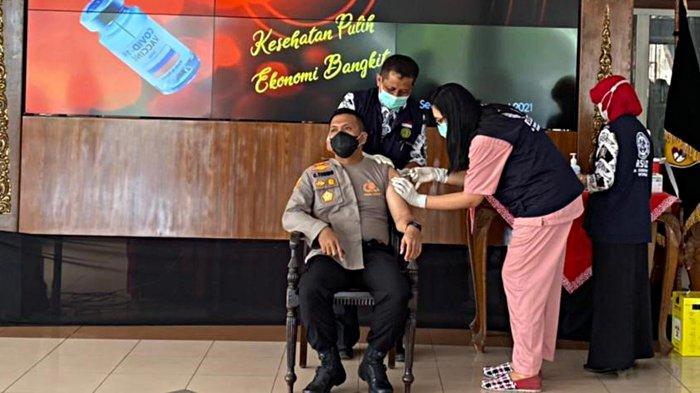 AKBP Christian Tobing Suntik Vaksin Corona Sinovac Tahap 2 Bareng Forkompinda Wonogiri