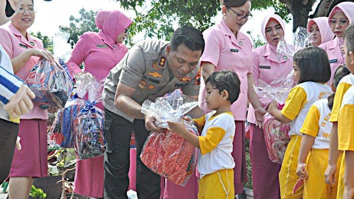 Kunjungi Anak-Anak TK Wonogiri, AKBP Cristian Tobing: Supaya Kelak Jadi Pribadi yang Disiplin