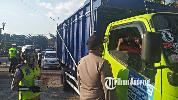 AKBP Gatot Pastikan Semua Pengendara Kendaraan Masuk Kabupaten Semarang Pakai Masker