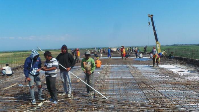 Akses Jalan Sigentong Brebes Tertutup Jalan Tol Pejagan, Warga Minta Dibuatkan Terowongan