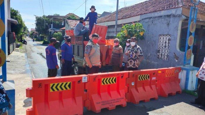 Satgas Lockdown Satu RT di Kota Tegal Setelah Terdeteksi 18 Warga Positif Covid-19