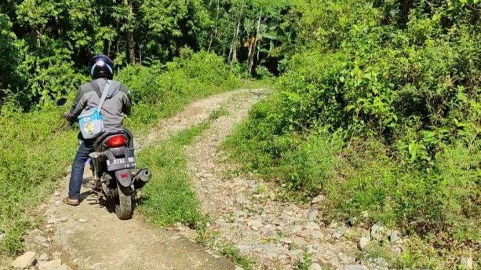 Jalan Akses Menuju Wisata Karang Gemantung Banjarnegara Dikeluhkan Pengunjung