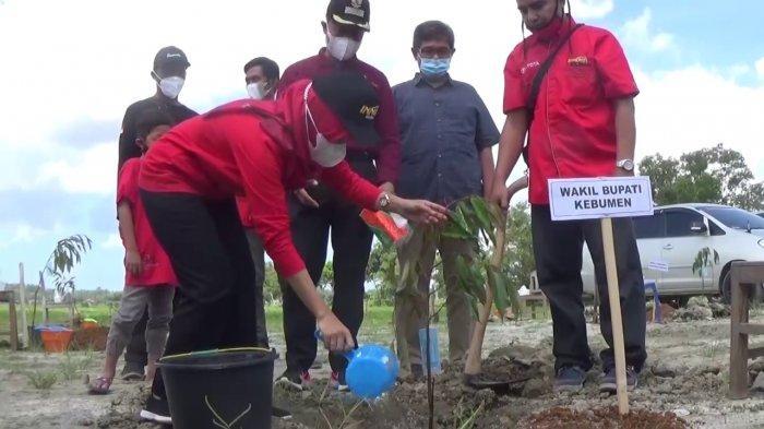 Komunitas Pemilik Innova di Kebumen Tanam 1000 Bibit Pohon untuk Konservasi
